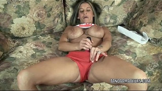 Busty-housewife-Leeanna-Heart-is-playing-with-her-dildo