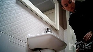 Spy-cam-in-womens-toilet---White-painted-standing