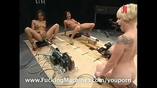 machine-makes-girls-squirt