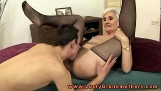 Blonde-mature-granny-pussy-eating