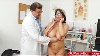 Huge-natural-melon-size-titties-at-obgyn-physician