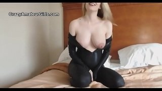 amateur-hd-catsuit-pregnant-strip