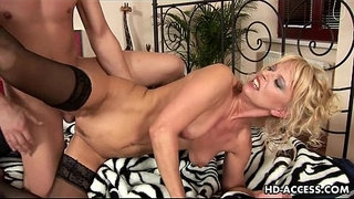Lovely-Marilyn-doggystyle-sex
