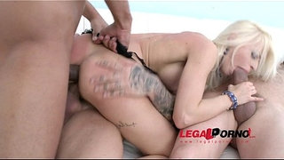 Blonde-hottie-Chloe-Lacourt-first-time-in-studio:-classic-LP-3on1-anal-&-DP-SZ825