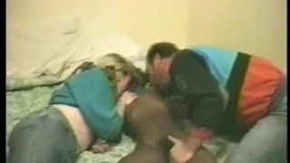 Mature-couple-rent-a-black-hooker-to-have-fun.-Amateur-home-made