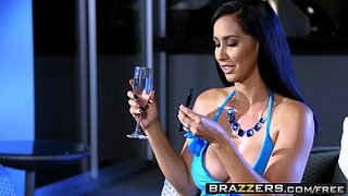Brazzers---(Isis-Love,-Michael-Vegas)---Wet-And-Smoking