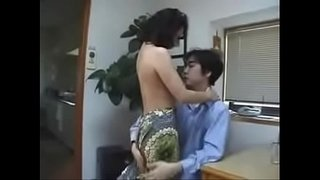 Hot-Japanese-Mom