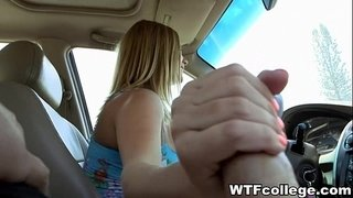 College-Girlfriend-Blows-in-Car