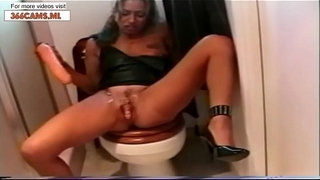 Big-sister-msturbates,-Squirts-and-Squirts-and-Squirts-with-Dildo---more-videos-on-366Cams.ml
